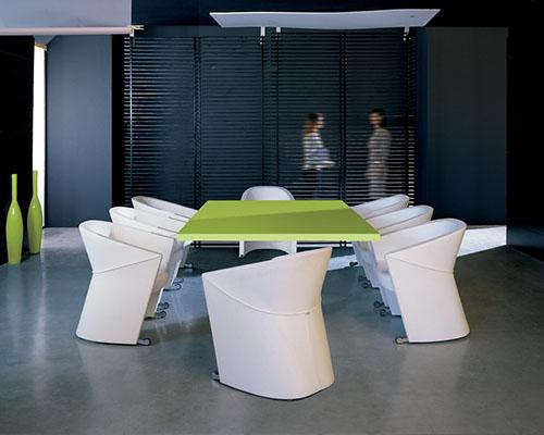 Konferencijska stolica Arrow